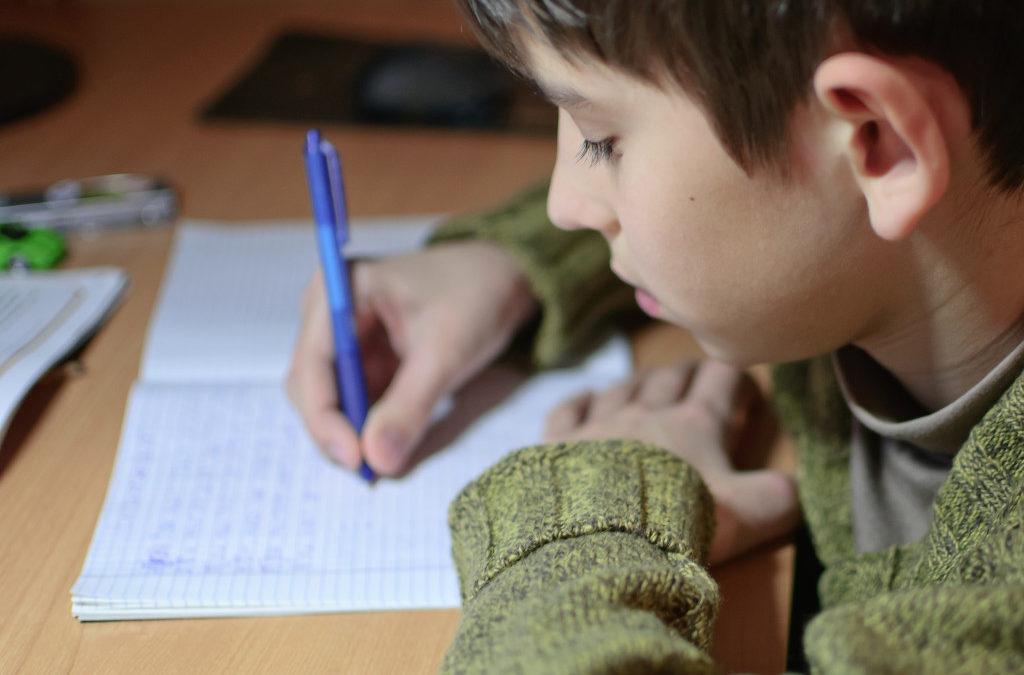 Tarefa de casa e rotina de estudos